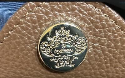 Orobiancoのロゴメダル